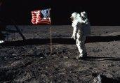 嫦娥三号传回月球照片惊现巨型飞船