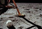 中美从月球上拍的地球照比较:发现美国太假