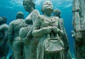 海底惊现神秘人类 蛤蟆人疑似特异外星人