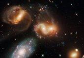 震撼心灵!数百万恒星构成宇宙喷泉