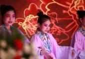 中国首个英文类学生通讯社成立