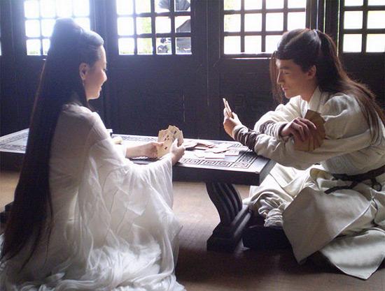 在古时候,就有扑克牌了。弱弱的说,扑克牌是中国人发明的。