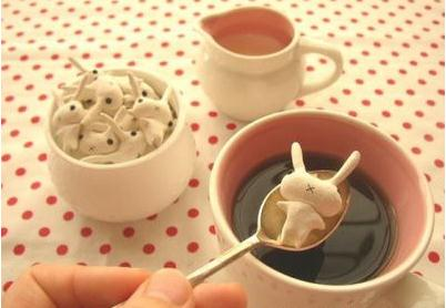 兔子形状的咖啡糖,稀饭吗?